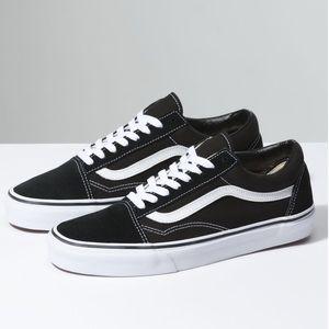 vans old skool black white sneakers